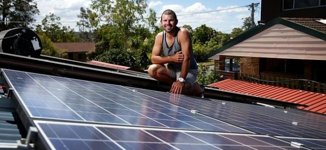 Solar panels turn suburban homes into Queensland's fourth biggest power station | The Courier-Mail